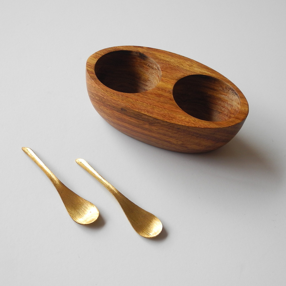 Mid Century Salt And Pepper Wood Pinch Pots With Spoons 1958 60 00