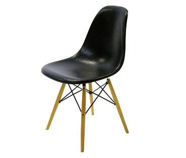 Eames DSW Black 1950 Vitra Miniature Chair