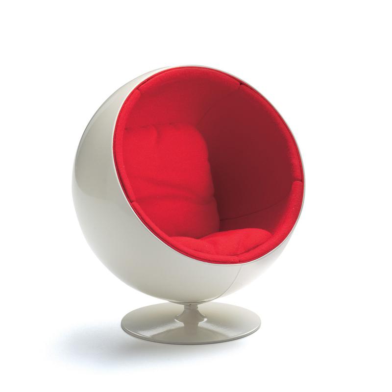Miniature aarnio ball chair by vitra design nova68 for Mini designer chairs