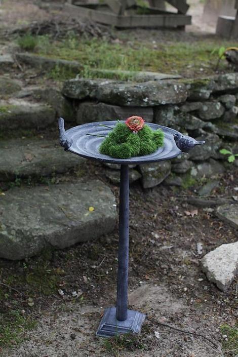 Jardin Botanique Vintage Antique Style Weathered Garden Bird Bath