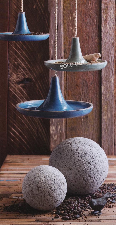 Cote dazur hanging bird bath