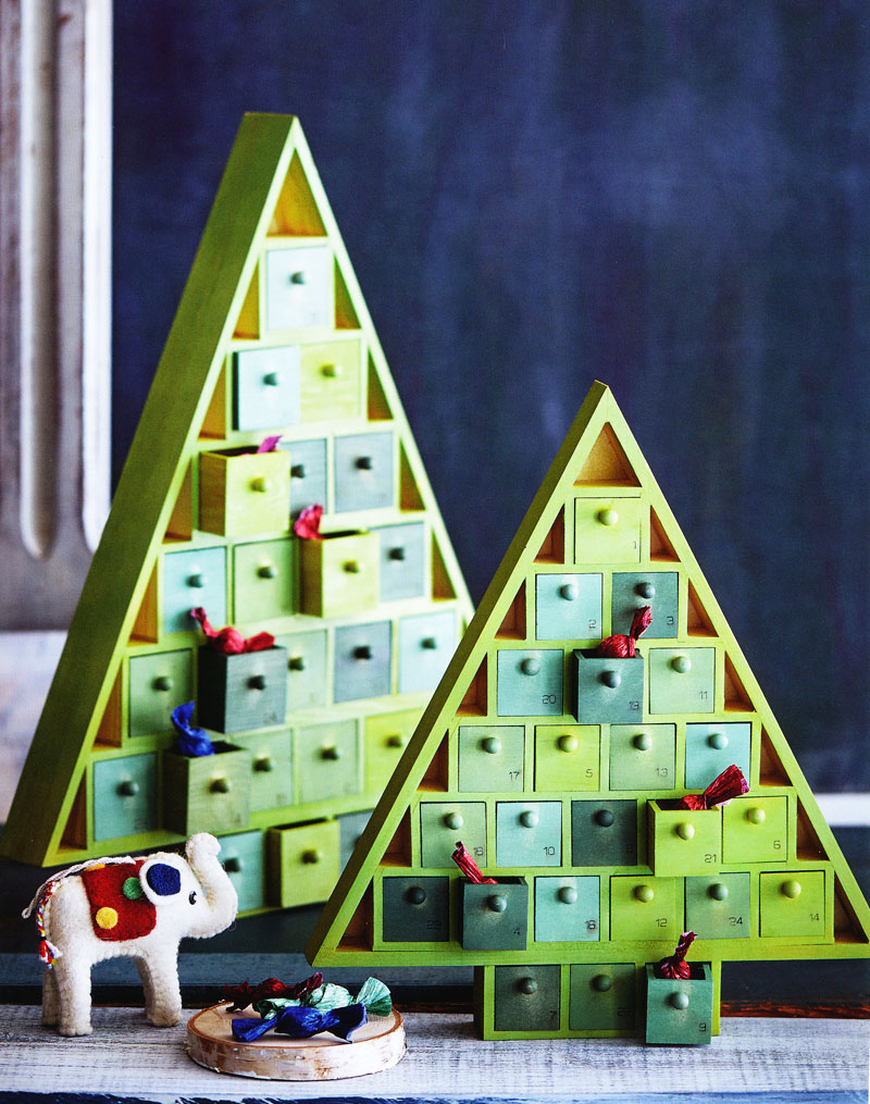 Christmas Tree Wood Advent Calendar NOVA68com