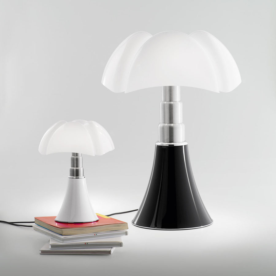 martinelli luce gae aulenti mini pipistrello lamp. Black Bedroom Furniture Sets. Home Design Ideas