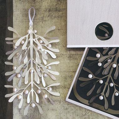 Mistletoe Holiday Wall Decor Accent Nova68 Com