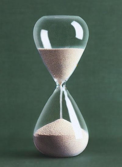 Modern Hourglass With Silver Plated Sand Nova68 Modern